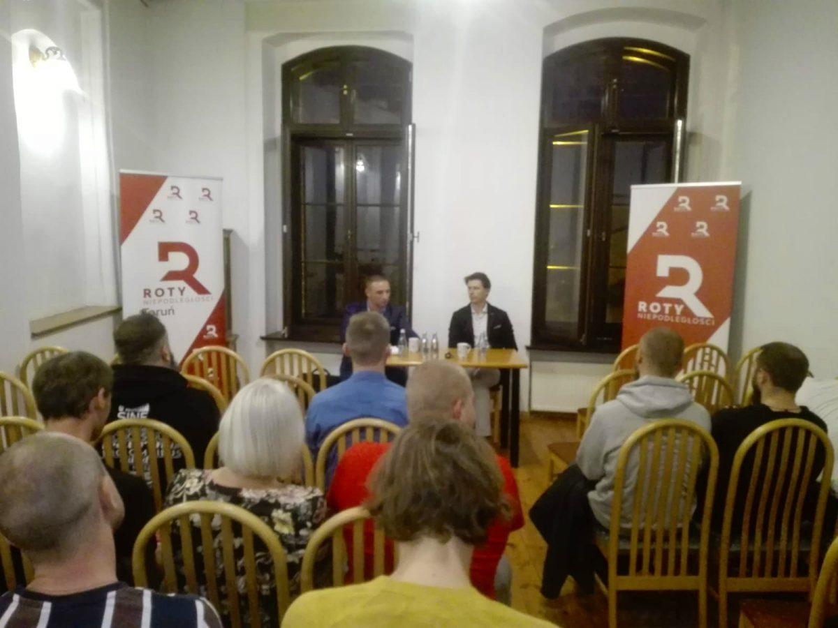 Robert Bąkiewicz w Toruniu na otwarcie lokalnej Roty